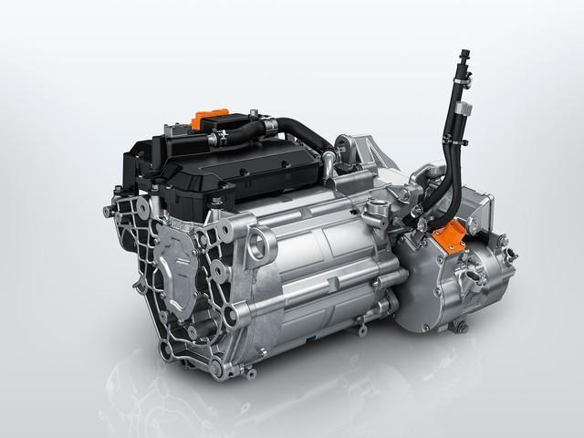 DER-NEUE-PEUGEOT-e-208–Neuer-100-kW-Elektromotor
