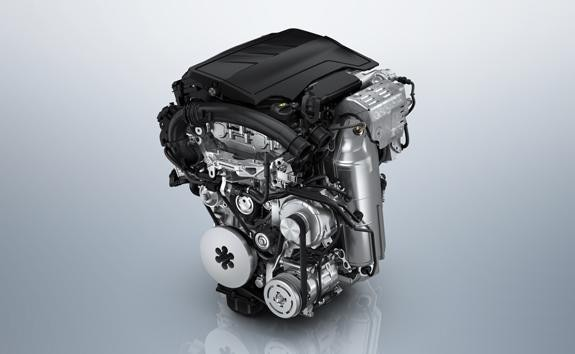 Neuer PEUGEOT 2008 PureTech Benzinmotor