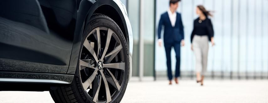 Finanzierung-PEUGEOT-Elektrofahrzeuge